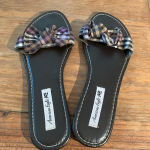 American Eagle EUC bow on top sandals